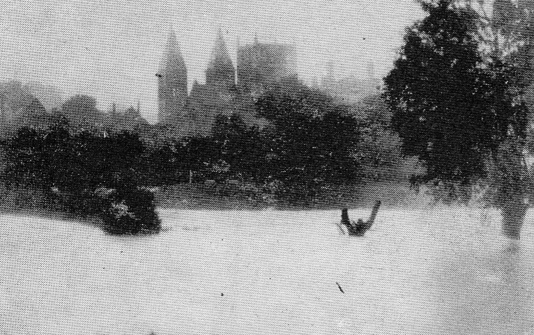 08/1922 Southwell in Old Photographs - Harvey's Field Flooding