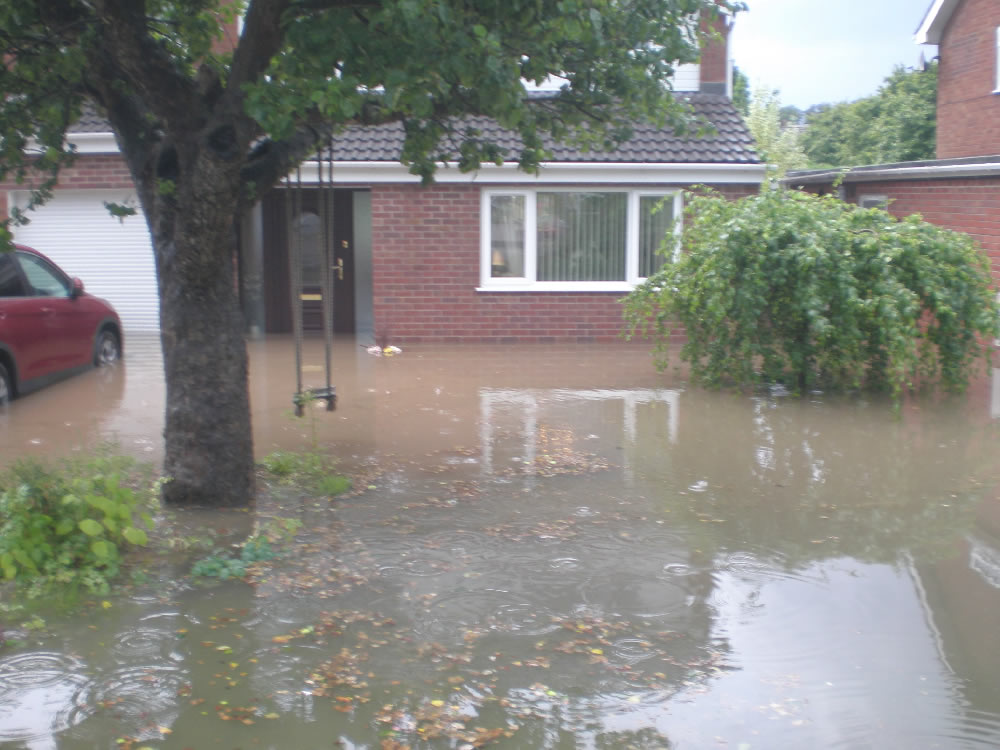 23/07/2013 @ 19:40 Kirklington Road by Trish Jordon