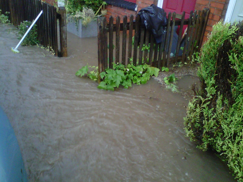 19.20 Water over the pavement depth of 7 cm