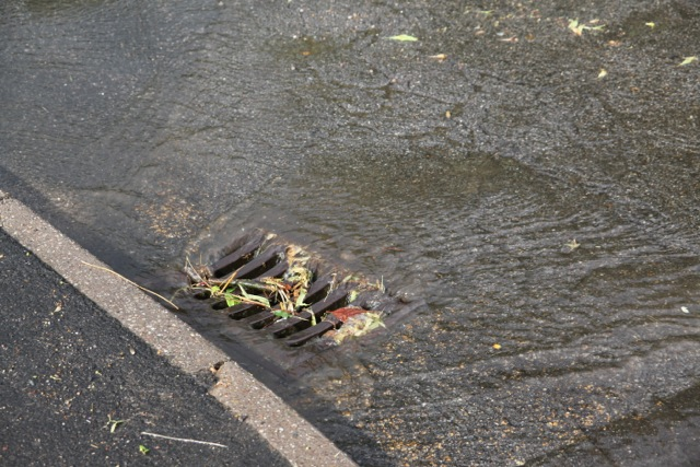 19/07/2014 Drain around Lower Kirklington Road / Leeway Road Junction